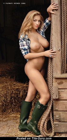 Image. Zimra Geurts - sexy naked blonde with medium natural breast pic