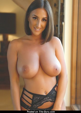Wonderful Babe with Wonderful Bald Natural Ddd Size Chest (Hd Xxx Photoshoot)