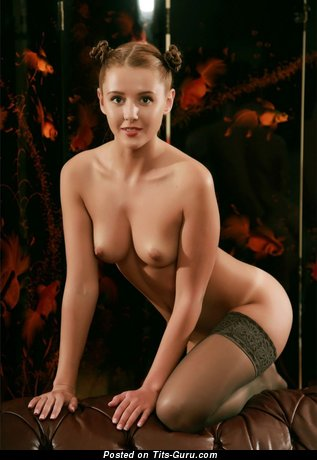 Image. Nude hot lady with natural breast pic