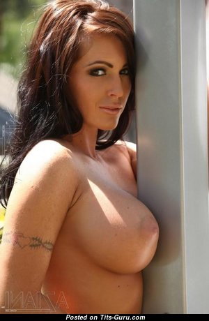 Nice Babe with Nice Bald D Size Knockers (Xxx Wallpaper)