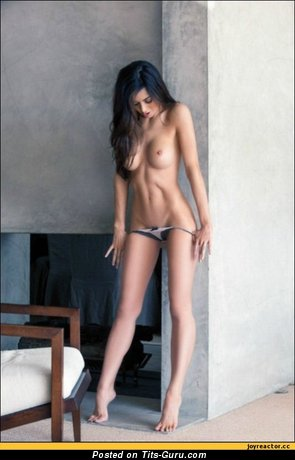 Image. Naked wonderful woman with medium breast pic