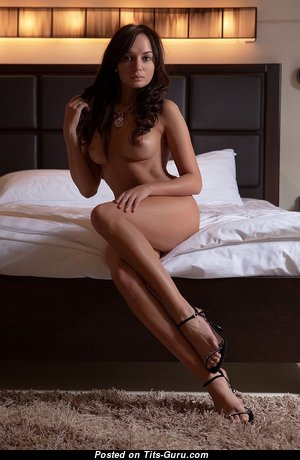 Hot Nude Babe (Sexual Photoshoot)