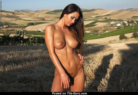 Justyna - Wonderful Naked Polish Girlfriend & Babe (Hd Sexual Foto)