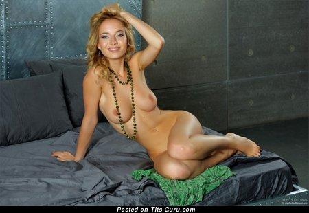 Изображение. Фотка умопомрачительной обнажённой леди