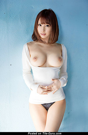 Image. Naked asian with medium natural boobs picture