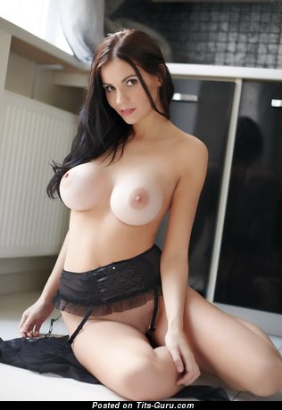 Graceful Moll with Graceful Open Fake Big Sized Titty (Hd 18+ Foto)