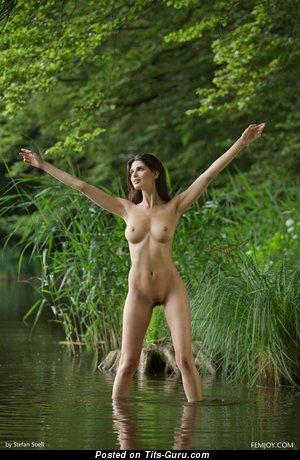 Jasmine Andreas - naked wonderful female with medium natural breast pic