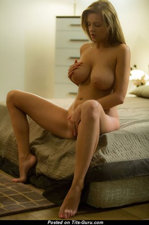 Wonderful Glamour Girl with Wonderful Bare Natural Normal Busts (Hd Sexual Image)