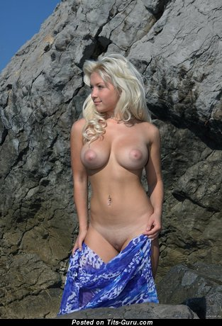 Image. Naked hot woman with big tots pic