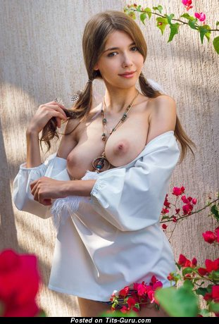 Stunning Topless Brunette with Stunning Naked Real Medium Sized Chest (18+ Pix)