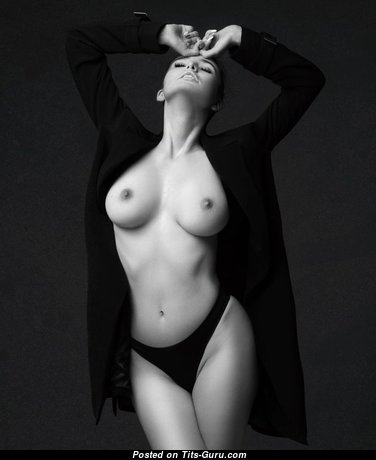 Graceful Babe with Graceful Open Real Firm Tittys (Hd 18+ Foto)