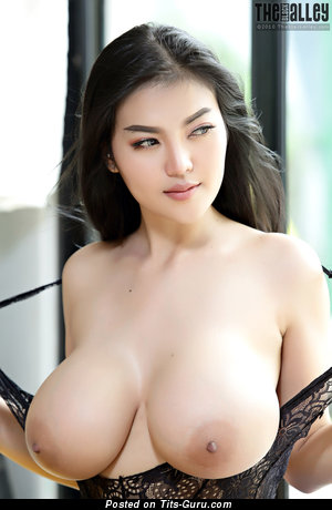 Pitta - Perfect Asian Brunette Babe with Perfect Nude Mega Tittes (Hd Xxx Foto)