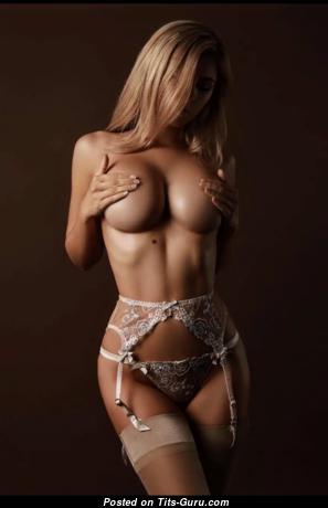 Фотка обалденной голой блондинки