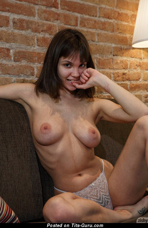 Image. Lara Maiser - sexy nude brunette with big natural breast pic