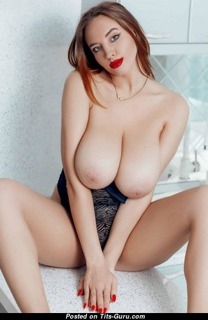 Nice Glamour Girl with Nice Bald Natural G Size Boob (Hd Sex Foto)