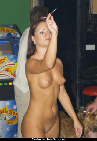 Magnificent Naked Moll on the Party (Hd Porn Foto)