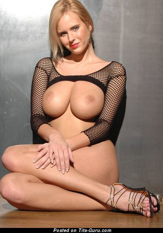 Image. Nude amazing lady with big tittys picture