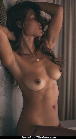 Grand Nude Babe (Hd Xxx Foto)