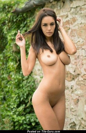 Image. Naked awesome woman image