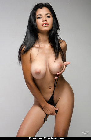 Image. Lea - nude hot lady with medium breast image
