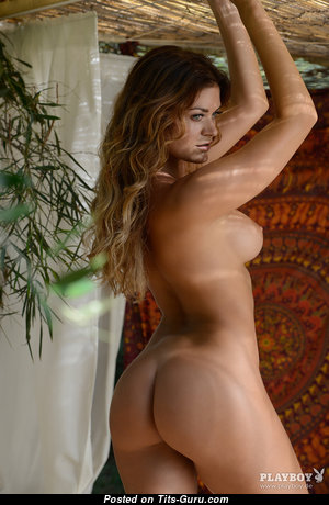 Awesome Naked Playboy Gal (Hd Xxx Image)