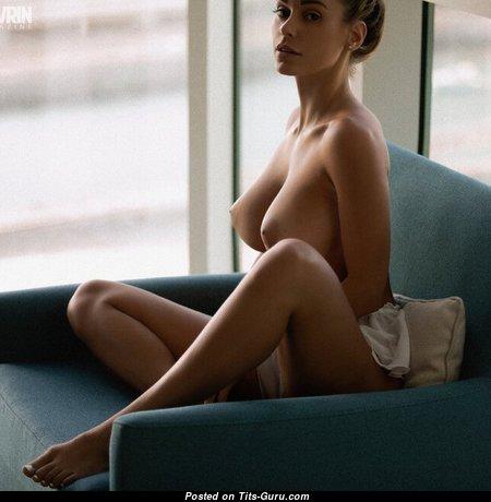Sexy Nude Babe (Porn Image)