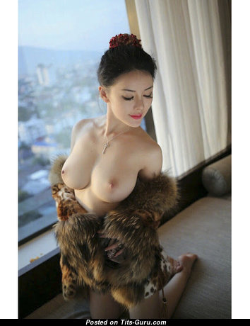 Amazing Topless Asian Brunette (18+ Picture)