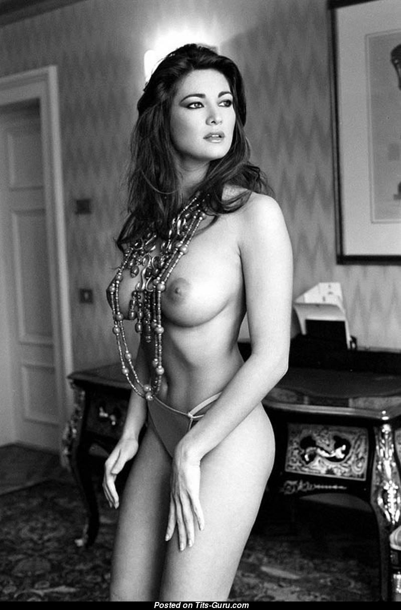 Manuela arcuri nuda