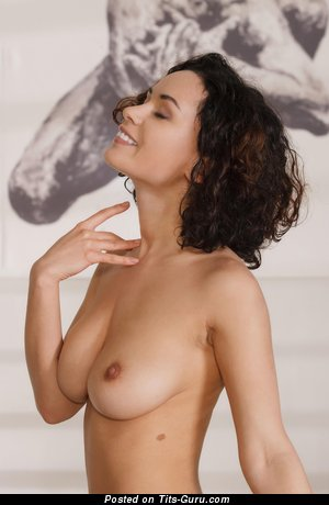 Image. Pammie Lee - naked brunette with medium natural tittys pic