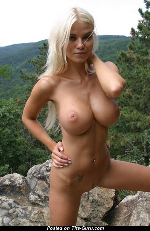 Caylian Curtis Aka Kathy Lee - Fascinating Playboy Blonde with Fascinating Nude Mid Size Hooters & Tattoo (Sexual Foto)