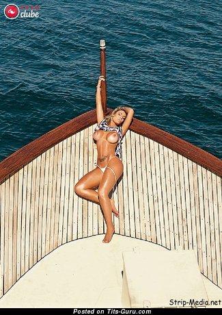Andressa Urach - sexy naked awesome lady image