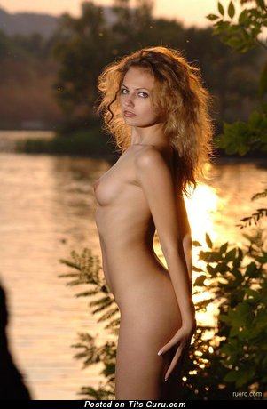 Image. Naked beautiful girl with natural tittys picture