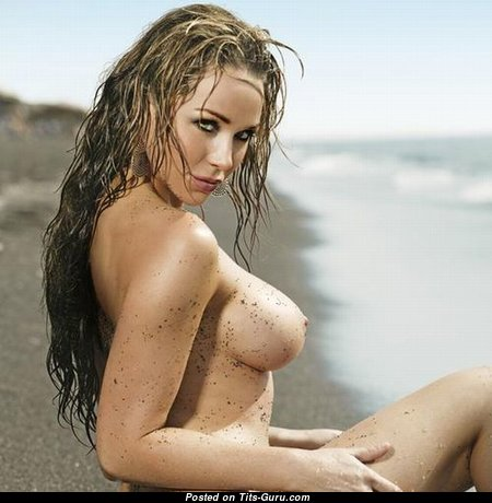 Charming Topless Babe with Large Nipples (Sex Wallpaper)