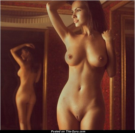 Image. Nude amazing female with medium boob photo