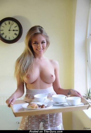 Nice Lassie with Nice Naked Real D Size Tit (Sex Wallpaper)