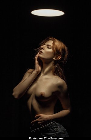 Анастасия Купер - Pretty Red Hair Babe with Pretty Bare Real Very Small Boobies (Sexual Foto)