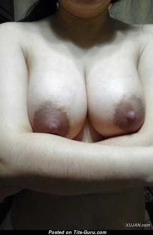 Graceful Unclothed Wife, Housewife & Mom (Private 18+ Pic)