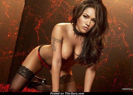 Image. Nude amazing woman with medium boob pic