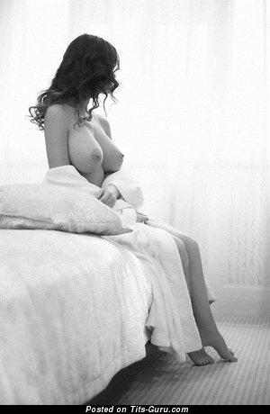 Фотка шикарной раздетой женщины с большой грудью