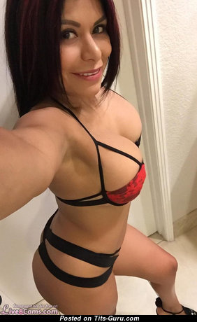 Amazing Unclothed Babe (on Public Selfie Hd Sexual Foto)