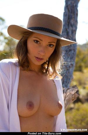 Miluniel Louis - Elegant Naked Playboy Babe (Hd Sexual Photo)