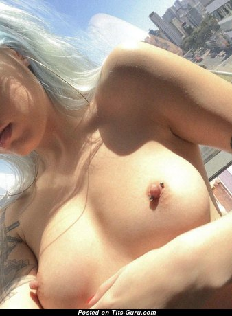Awesome Topless College Lassie with Tattoo & Piercing (Selfie Hd 18+ Foto)