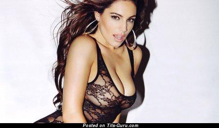 Image. Kelly Brook - naked brunette with big natural boobs image