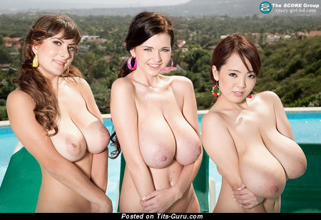 Wonderful Latina & Asian Brunette Babe with Wonderful Open Natural Big Sized Boobies & Red Nipples (Sex Foto)