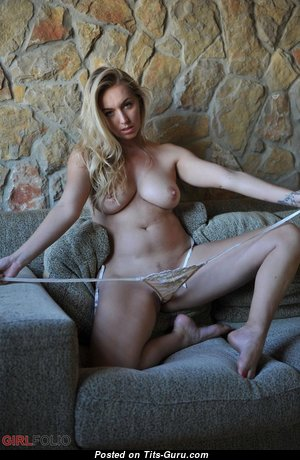 Dazzling Undressed Babe (Hd Sexual Picture)