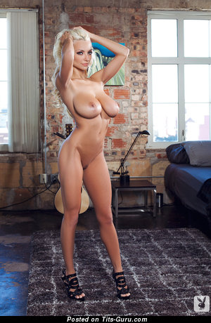 Линдсей Пелас - Beautiful Playboy Blonde Babe with Beautiful Exposed Average Boob & Sexy Legs in High Heels (Hd Sexual Pix)
