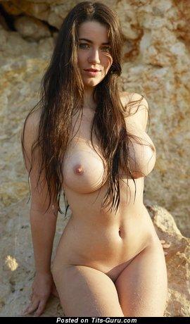 Image. Yara - naked hot girl picture