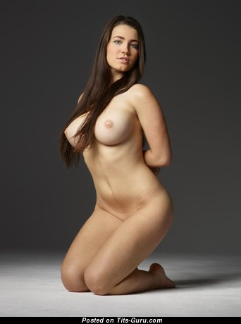 Appealing Chick with Appealing Bare Big Sized Tit (Hd Xxx Image)