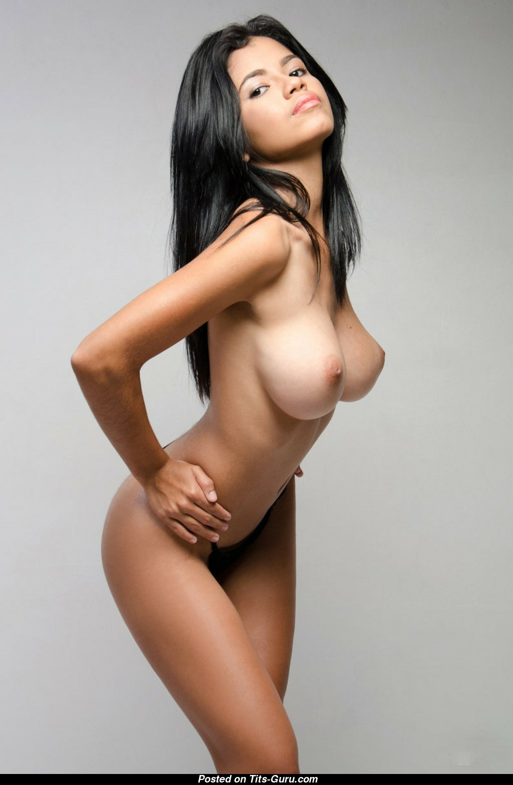 sexy nude colombian women