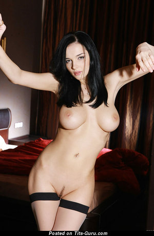 Naked brunette with big tittys picture